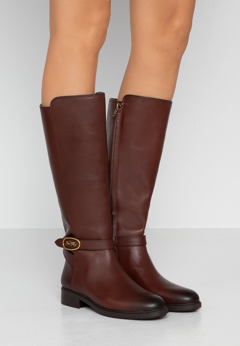 Coach - RUBY AND CARRIAGE BOOT - Boots - walnut