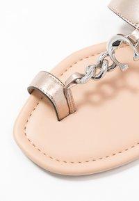 Coach - JAIMEE C CHAIN METALLIC  - T-bar sandals - platinum - 2