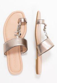 Coach - JAIMEE C CHAIN METALLIC  - T-bar sandals - platinum - 3