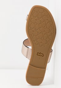 Coach - JAIMEE C CHAIN METALLIC  - T-bar sandals - platinum - 6