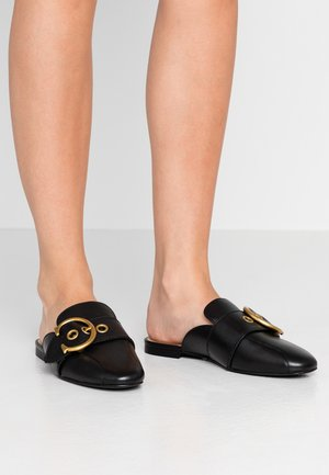 SULLIVAN BUCKLE LOAFER SLIDE - Muiltjes - black