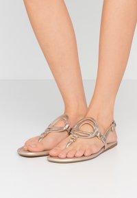 Coach - JERI METALLIC - T-bar sandals - champagne - 0