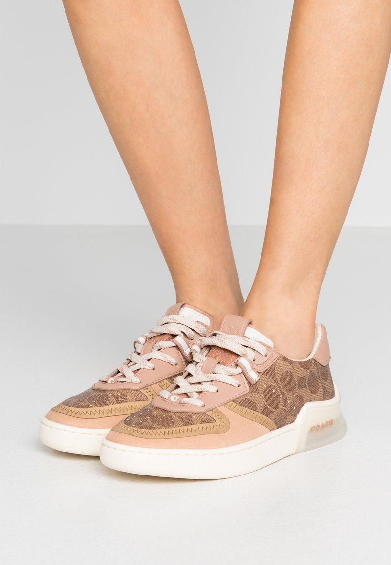 Coach - CITYSOLE  COURT  - Sneakersy niskie - tan/beechwood