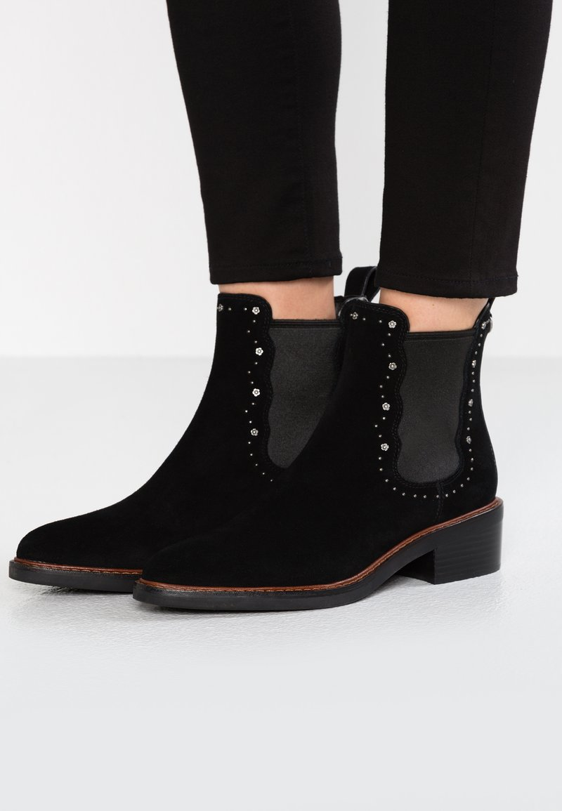 Coach - BOWERY CHELSEA BOOTIE WITH TEA ROSE STUDS - Classic ankle boots - black