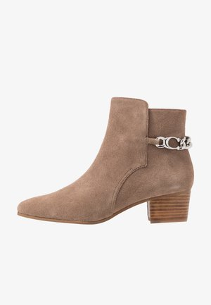 EXCLUSIVE CARISSA CHAIN BOOTIE - Classic ankle boots - mushroom