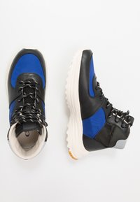 Coach - C250 TECH HIKER BOOT - Vysoké tenisky - black/sport blue - 1