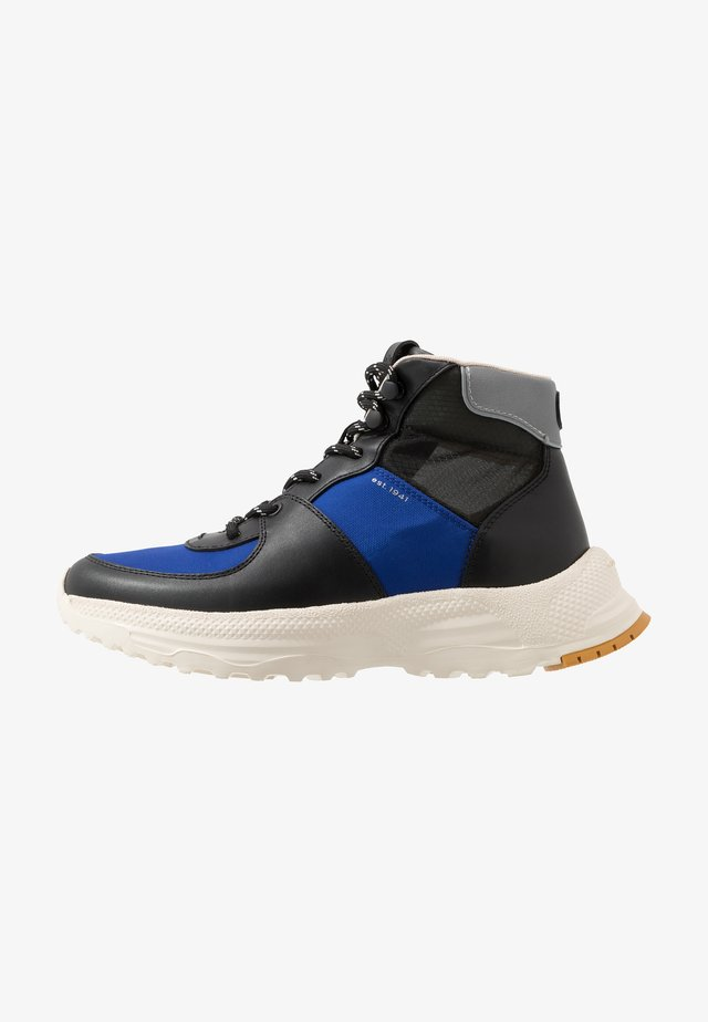 C250 TECH HIKER BOOT - High-top trainers - black/sport blue