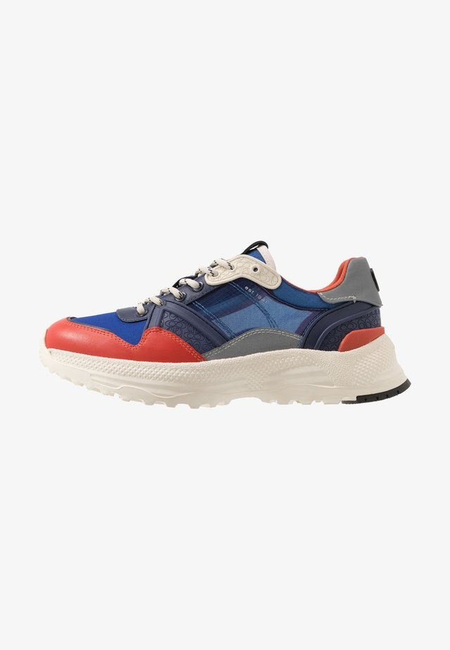 C143 TECH - Trainers - cadet racing/orange