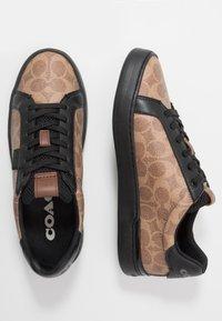 Coach - SIGNATURE TENNIS CUP SOLE - Sneakersy niskie - khaki/black - 1