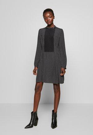 POLKA DOT BIB DRESS - Korte jurk - black