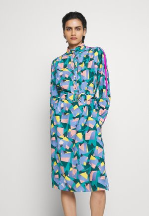 BOLD GEO MOCK NECK DRESS WITH SPORTY - Sukienka letnia - green/blue