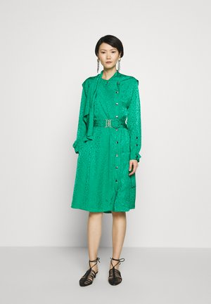 TEXTURED ARCHITECTURAL DRAPE BELTED - Day dress - green