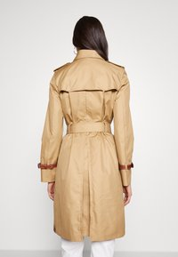 Coach - ICON - Trenchcoat - beige - 2