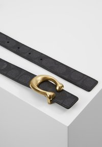 Coach - SCULPTED REVERSIBLE SIGNATURE BELT - Midjebelte - charcoal midnight navy - 2