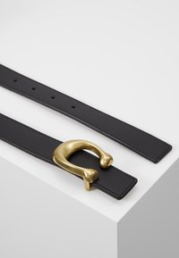 Coach - SCULPTED REVERSIBLE BELT - Vyö - saddle - 2