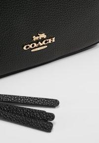 Coach - CAMERA BAG - Taška spříčným popruhem - black - 7