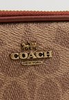 Coach - SIGNATURE CROSSBODY - Torba na ramię - tan rust