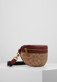 Coach - COATED SIGNATURE FANNY PACK - Ledvinka - tan/deep red - 3