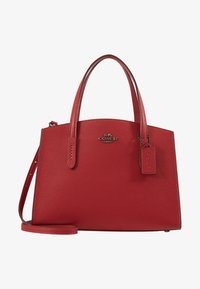 Coach - EXCLUSIVE POLISHED CHARLIE CARRYALL - Handtas - red apple - 5