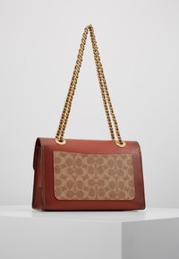 Coach - COLORBLOCK SIGNATURE PARKER SHOULDER - Borsa a mano - rust - 2