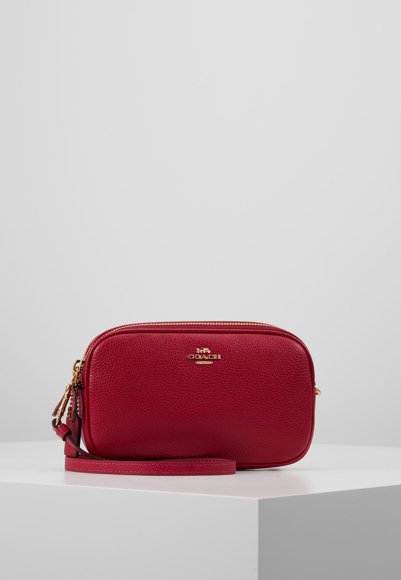 Coach - POLISHED PEBBLE LEATHER SADIE - Skuldertasker - bright cherry