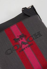Coach - KITT - Sac bandoulière - charcoal black - 6