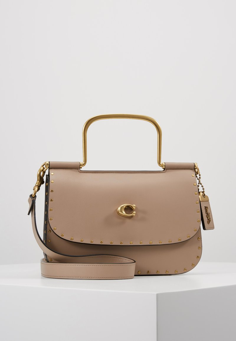 Coach - GLOVETANNED WITH BORDER RIVETS MULTIFUNCTION DOWEL BAG - Torba na ramię - stone