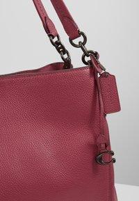 Coach - DALTON SHOULDER BAG - Bolso de mano - dusty pink - 6