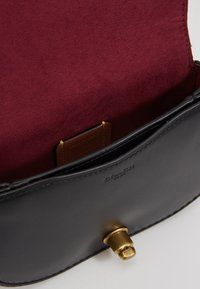 Coach - COLORBLOCK SIGNATURE SADDLE BELT BAG - Bum bag - tan/rust - 5