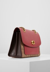 Coach - COATED SIGNATURE WITH POCKET PARKER SHOULDER BAG - Borsa a mano - tan/dusty pink - 3
