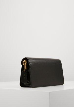 SIGNATURE TABBY - Across body bag - tan black