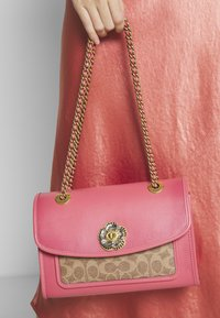 Coach - COATED SIGNATURE SOFT PARKER SHOULDER BAG - Handbag - tan orchid - 1