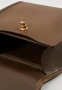 Coach - RUNWAY COACH ORIGINAL - Handbag - faded hickory - 2