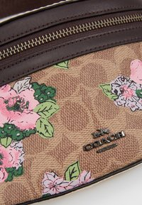 Coach - SIGNATURE BLOSSOM PRINT BELT BAG - Rumpetaske - tan/sand - 2