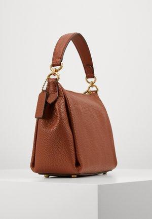 SHAY CROSSBODY - Handbag - saddle