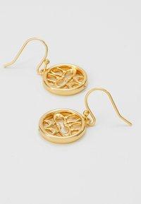 Coach - PIERCED SIG DROP EARRINGS - Náušnice - gold-coloured - 2
