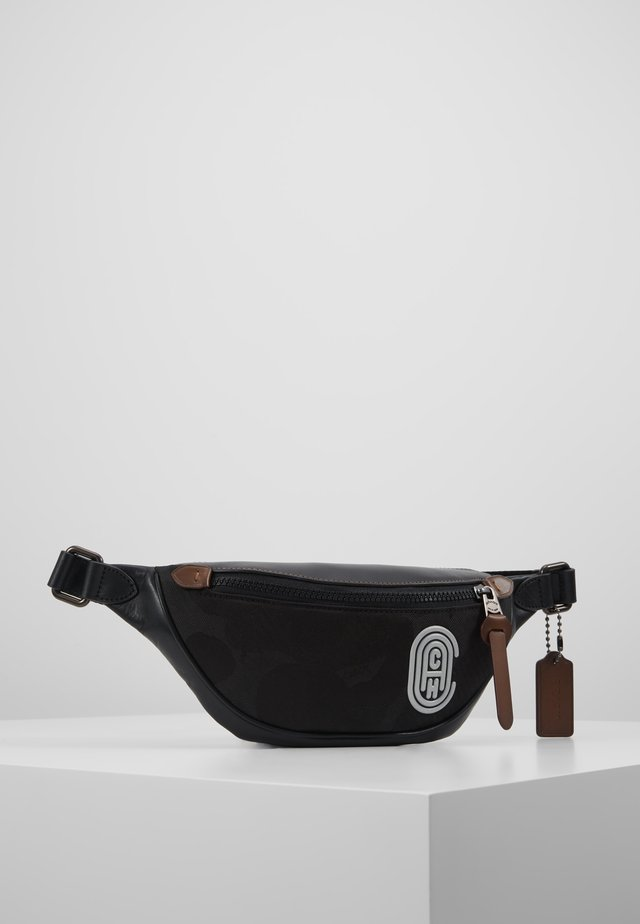 RIVINGTON BELT BAG WITH PATCH - Ledvinka - black wild beast
