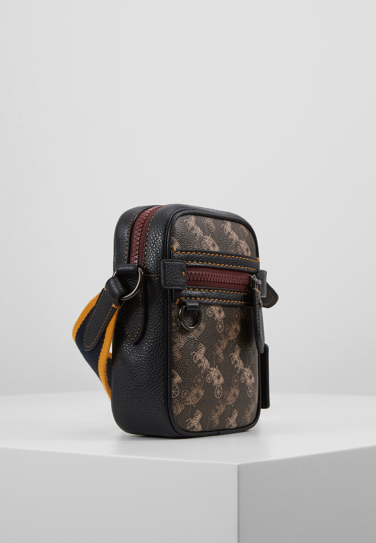 Coach Dylan 10 In Horse And Carriage - Skuldertasker Black/brown
