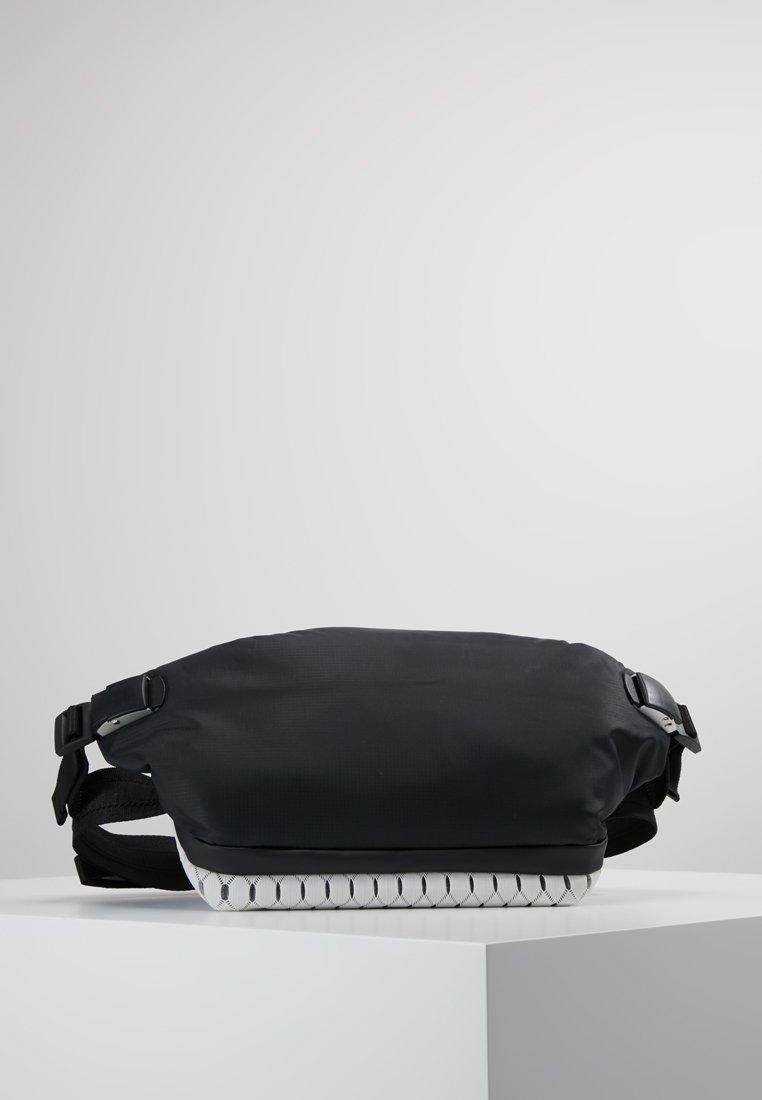 Côte&Ciel - ISARAU MIMAS - Bum bag - black