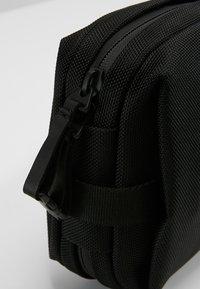 Côte&Ciel - BALLISTIC - Taška spříčným popruhem - black - 8