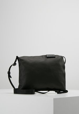 INN SMALL  - Across body bag - black