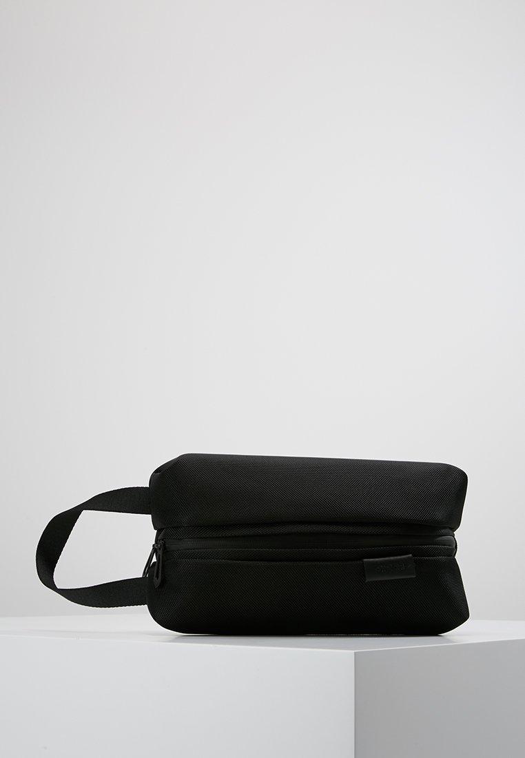 Côte&Ciel - COMO SMALL BALLISTIC - Kosmetiktasker - black