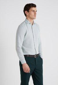 CORNELIANI - STRUCTURED SLIM FIT - Skjorter - blue - 2