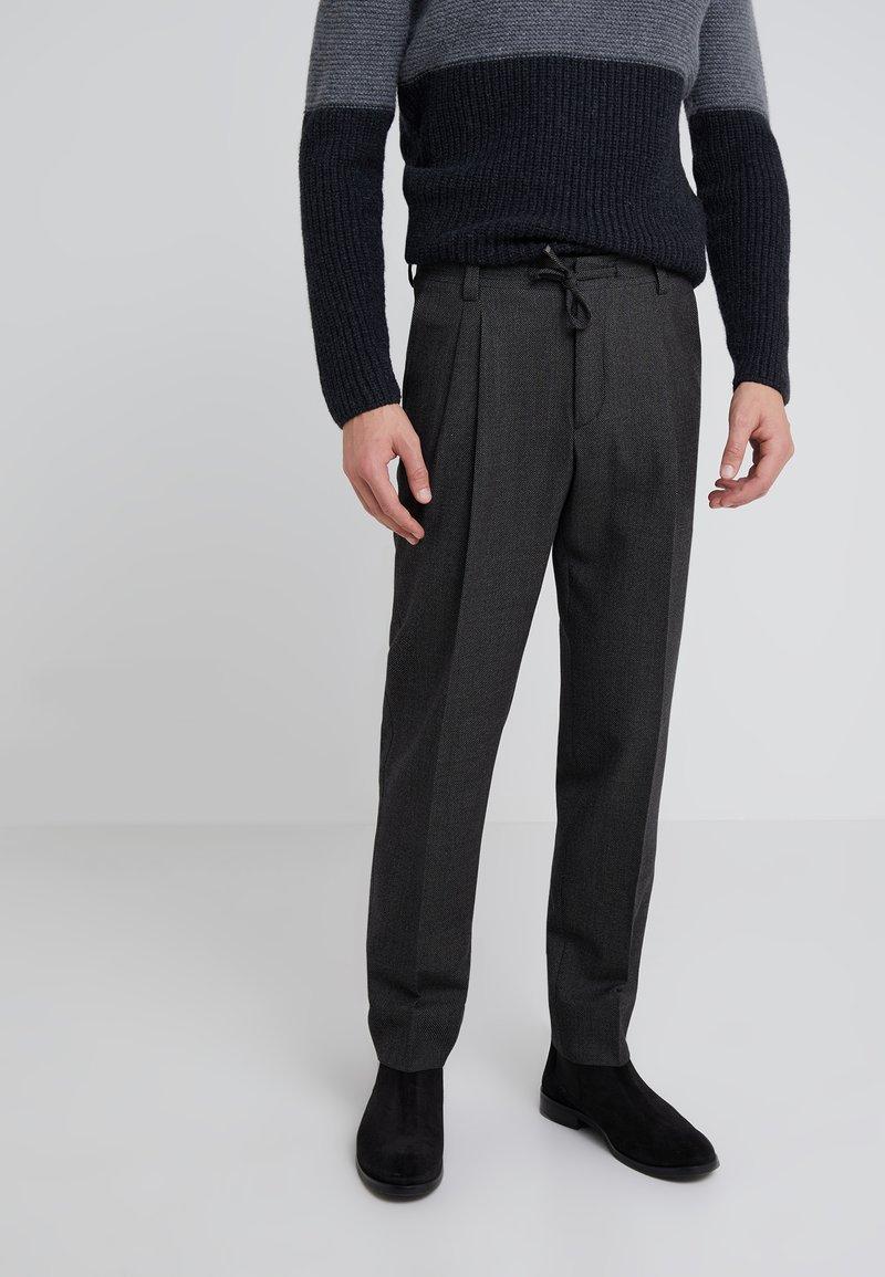 CORNELIANI - Spodnie materiałowe - dark grey