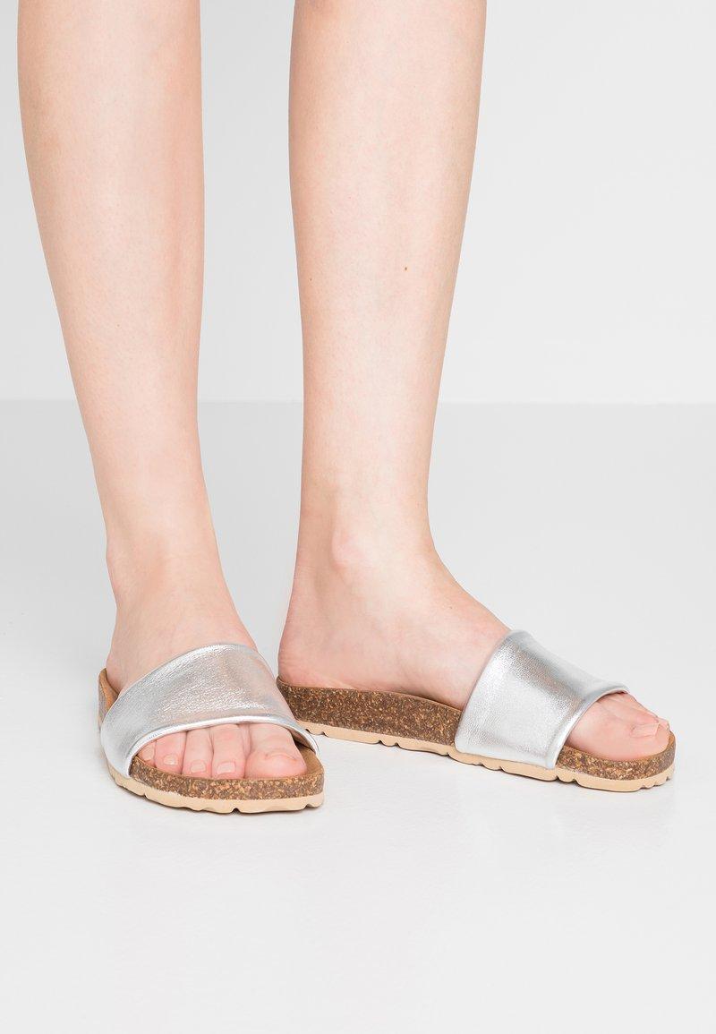 Copenhagen - Pantolette flach - silver