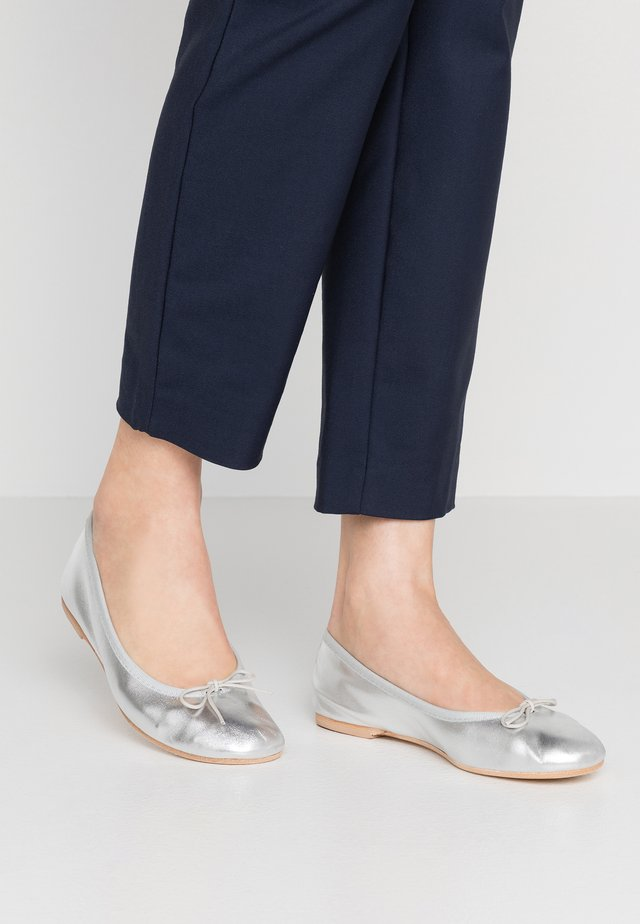 Ballerinaskor - silver