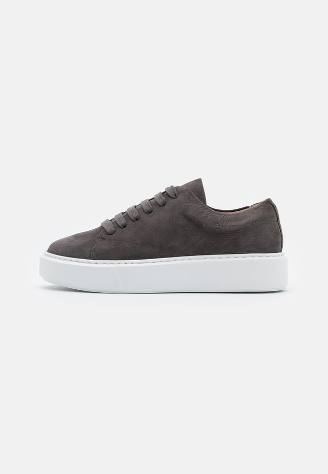 CPH407 - Sneaker low - graphit