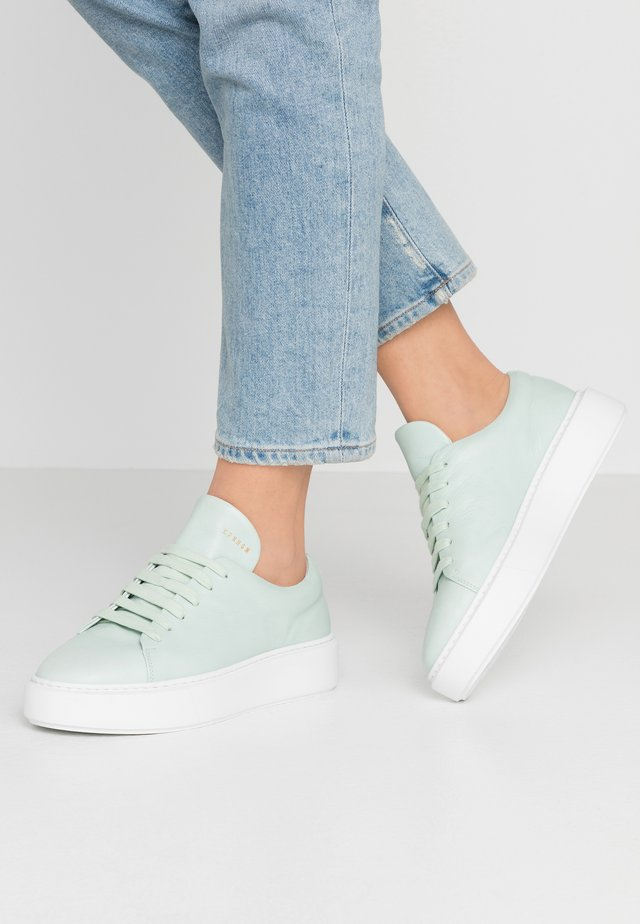 CPH407 - Baskets basses - mint