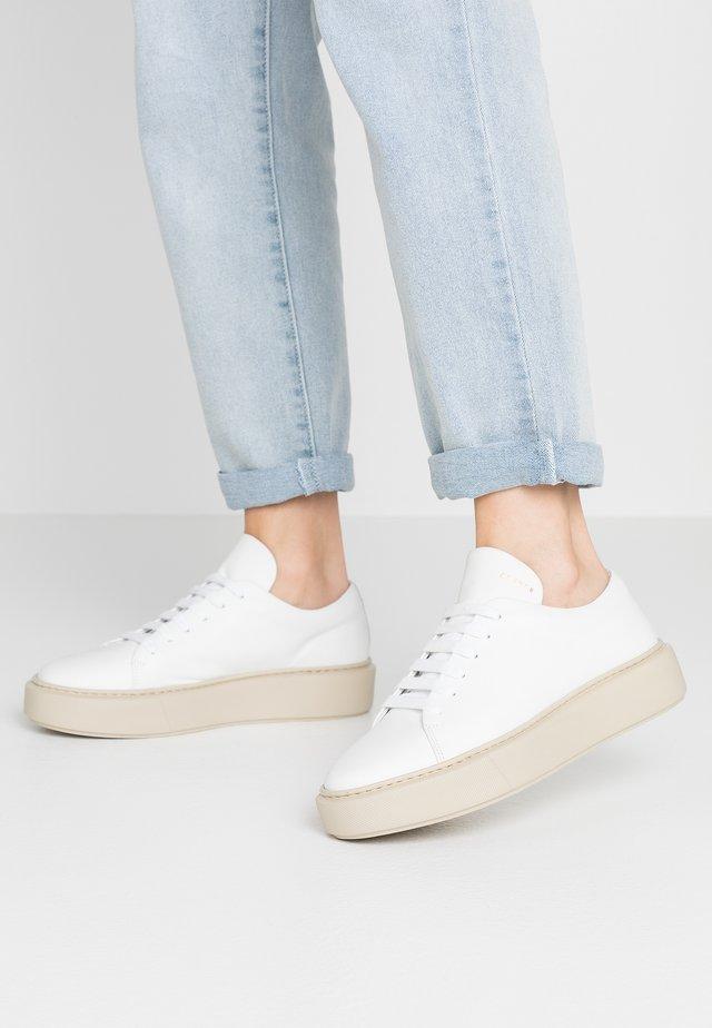 CPH407B - Sneakers - white