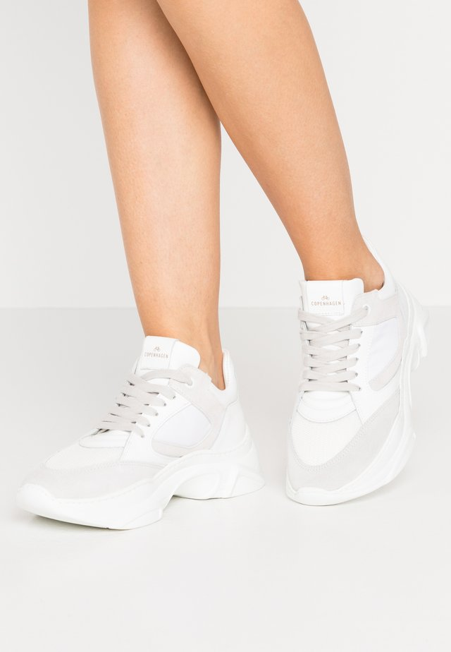 CPH107 - Trainers - white